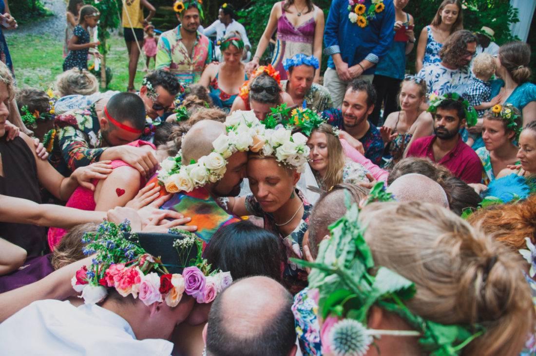 Freie Trauung mit vielen Blumen